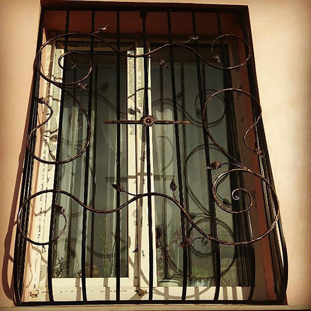 Металлическая решетка на окно тип 6